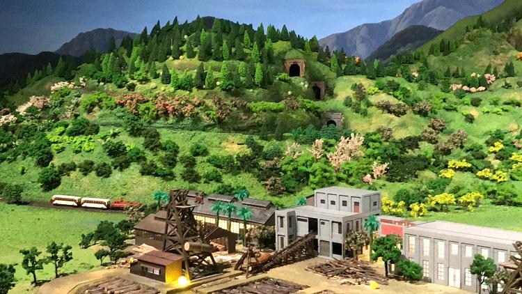 嘉義市立博物館|三鐵共構模型